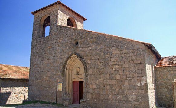 Eglise de Saint-Basile datant de 1179, fondée par les Bénédictines.